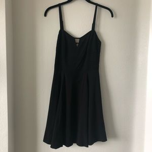 Guess little black dress keyhole opening size s